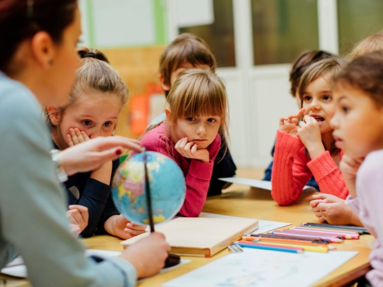 Moving Overseas To Teach? What To Do With Your Personal Items